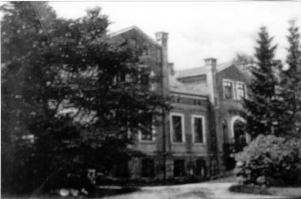 Wie ein Märchenschloss: das frühere Herrenhaus von Bassin